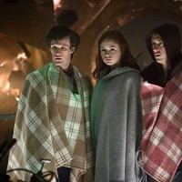Il Dottore, Amy e Rory come band peruviana.