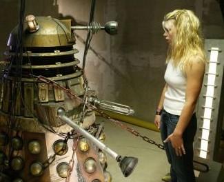 1×06 – Dalek